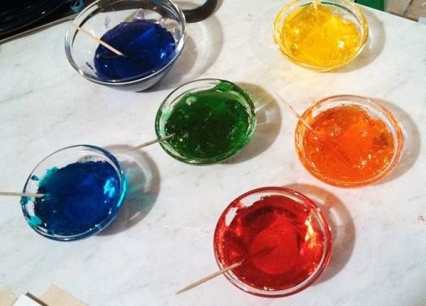 Isomalt in rainbow colors