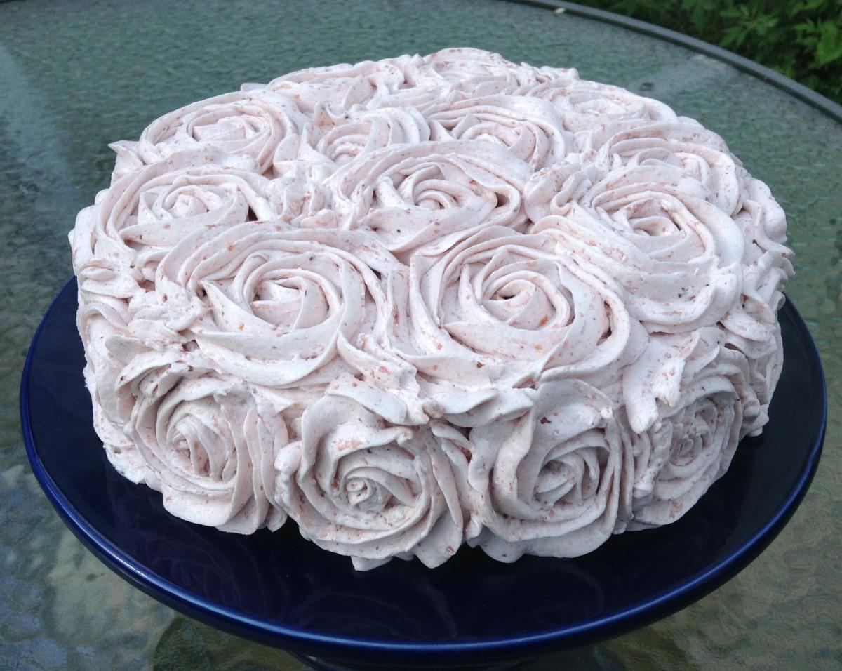 Vegan Vanilla Cake With Strawberry Buttercream Geeky Cakes